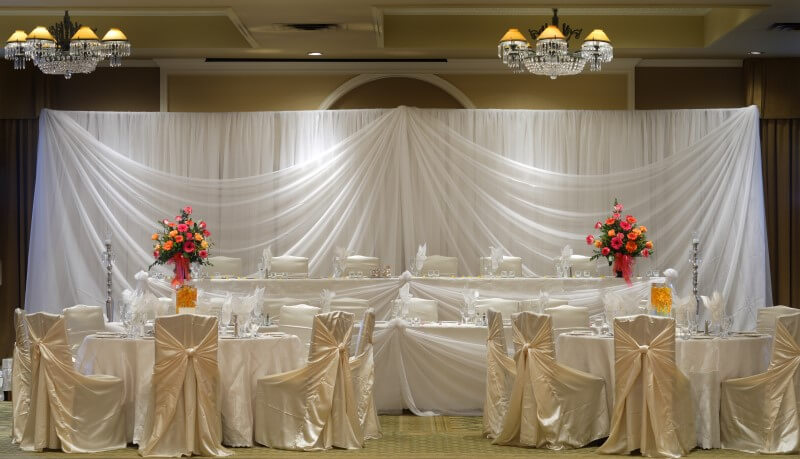 Pipe and drape is used for a wide variety of applications including photo shoots, wedding backdrops, and trade shows