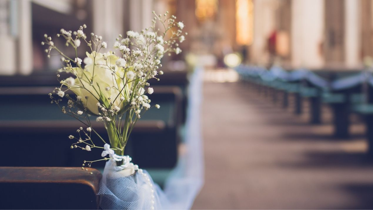 Ways to Decorate a Church for Your Wedding