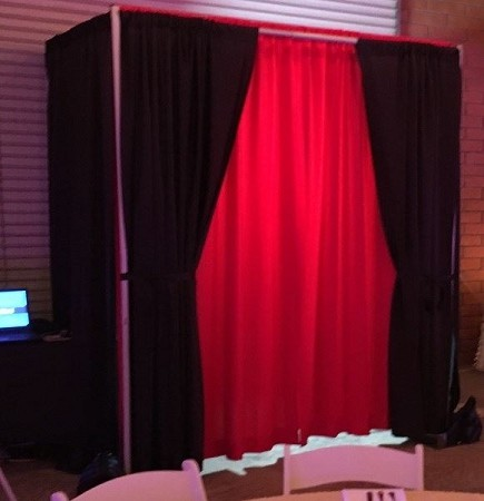Pipe-And-Drape-Photobooth